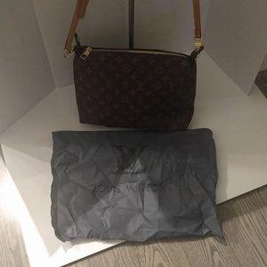 New Beautiful shoulder bag 🍀🌸❤️